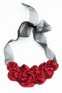 Colier statement cu trandafiri rosu Sophie