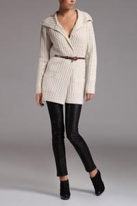 Pullover lung cu buzunare mici - crem