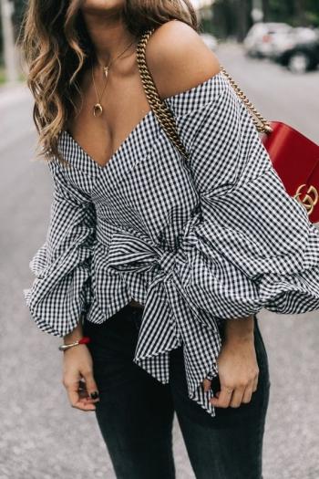 Magazin online cu haine fashion pentru dama la preturi ieftine, rochii de seara elegante, rochii de ocazie, bluze si camasi dama casual si office, pantaloni, fuste elegante, cardigane, salopete dama ocazie. Autentificare. Salut! Logare sa primesti mai multe.